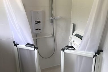 level access shower brighton